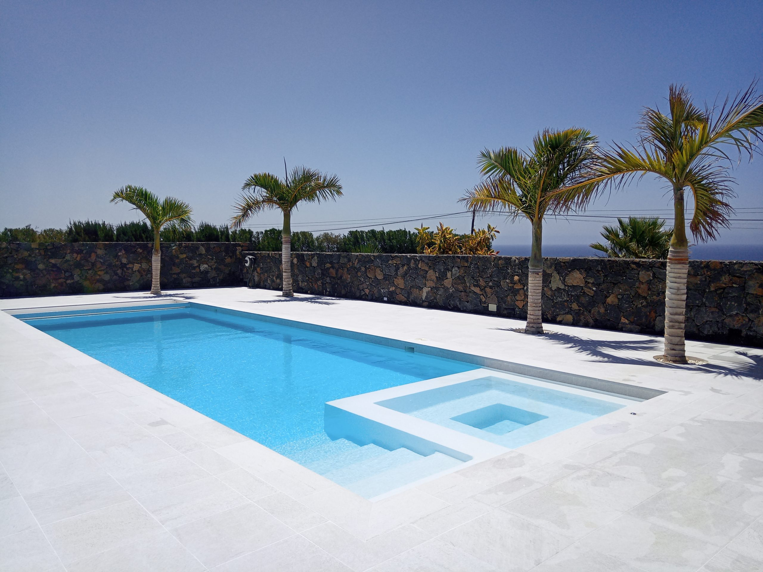 Lanzarote swimming pool builders